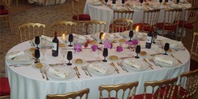 Location de mobilier, de tables repas standard I Sur Un Plateau