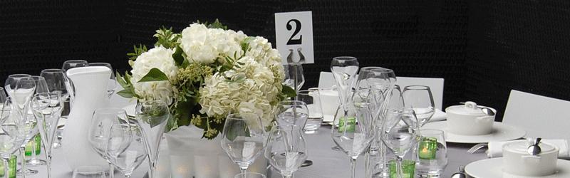 SUR UN PLATEAU, location d'accessoires pour la table